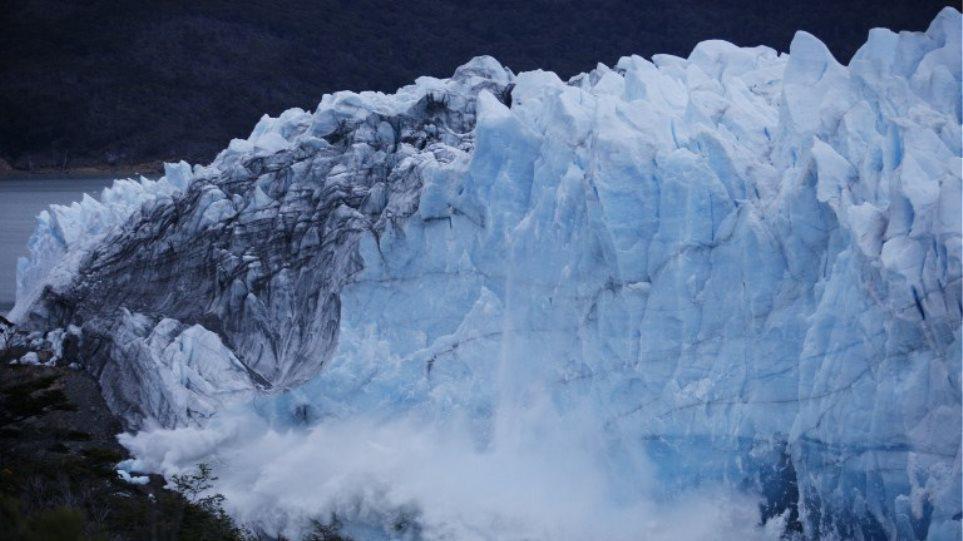 Αργεντινή: Καταρρέει ο τεράστιος παγετώνας Perito Moreno