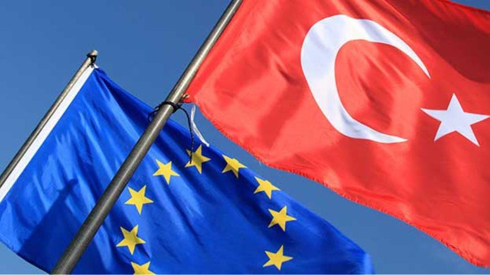 H EE «καλοπιάνει» την Τουρκία με επιπλέον 3 δισ. ευρώ για το προσφυγικό