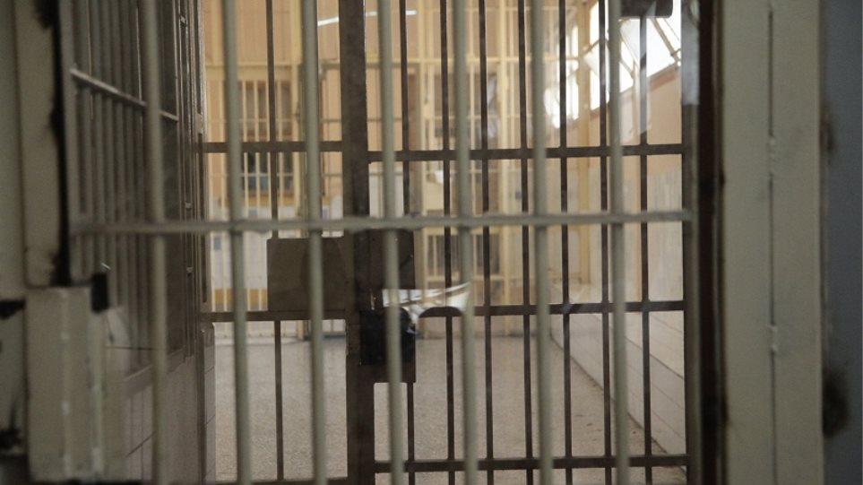 «Ζούγκλα» ο Κορυδαλλός: Μόνο δυο σωφρονιστικοί υπάλληλοι για 450 κρατούμενους!