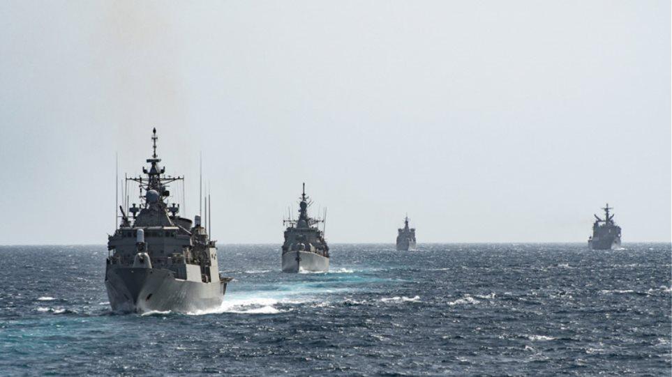 Εντυπωσιακές εικόνες από ασκήσεις του Πολεμικού Ναυτικού