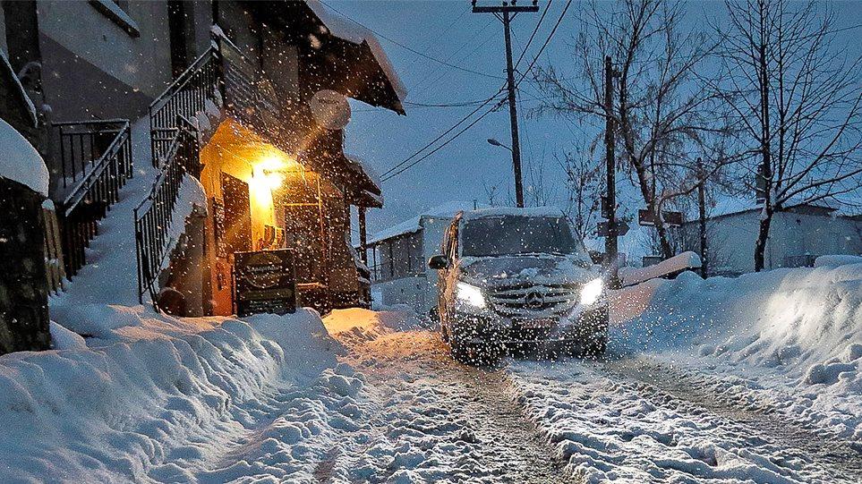 Καιρός: Επελαύνει ο χιονιάς- Διακοπή κυκλοφορίας σε 30 σημεία σε όλη την  Ελλάδα