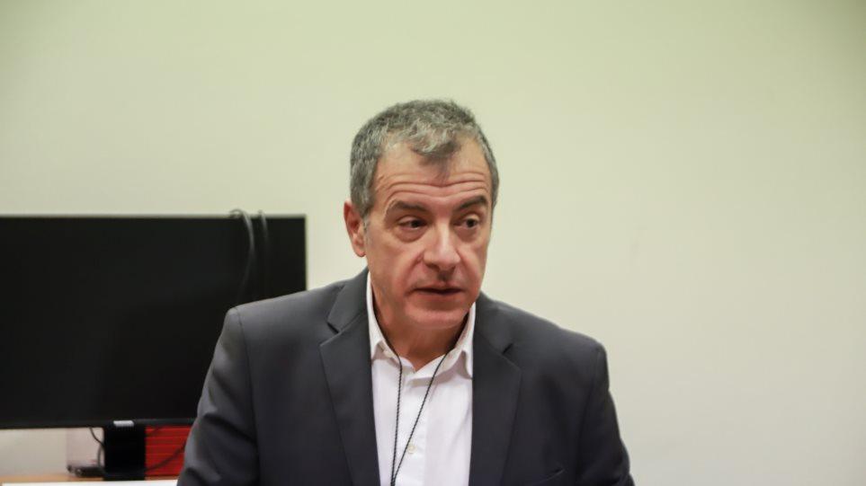 Θεοδωράκης: Αν δεν προχωρούσαμε στη Συμφωνία των Πρεσπών θα χάναμε τα πάντα