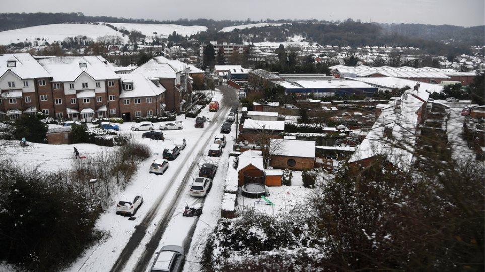 Βρετανία: Στους -15 βαθμούς Κελσίου η θερμοκρασία – Τουλάχιστον 2.000 σχολεία κλειστά