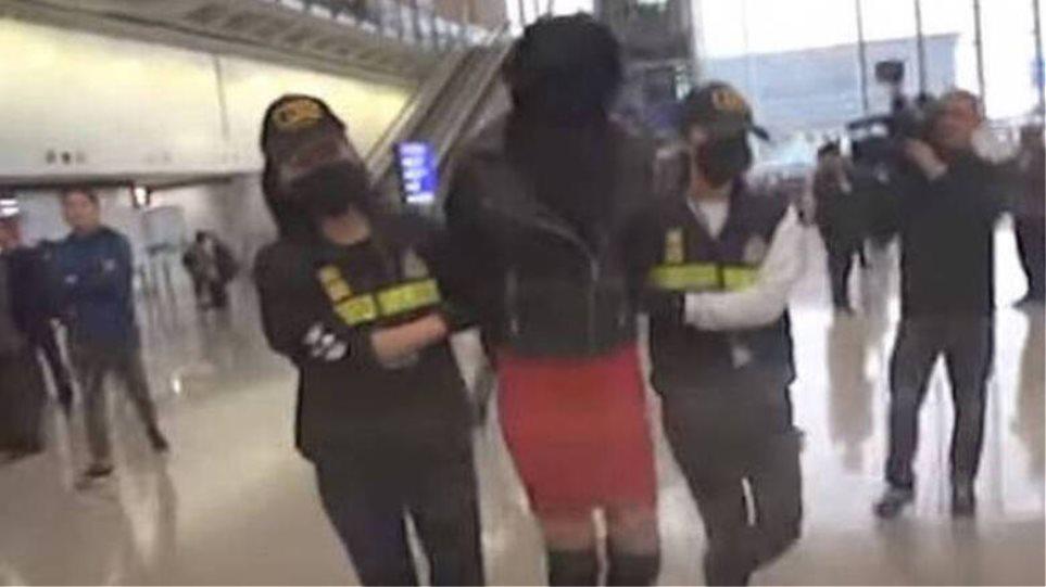Χονγκ Κονγκ: «Με παγίδευσε φίλος μου, δεν ήξερα ότι είχε κοκαΐνη η βαλίτσα», λέει το 21χρονο μοντέλο