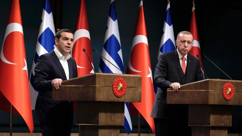Liberation για τους «8»: Με ποιο δικαίωμα εξαπολύει ανθρωποκυνηγητό σε ευρωπαϊκό έδαφος ο Ερντογάν;