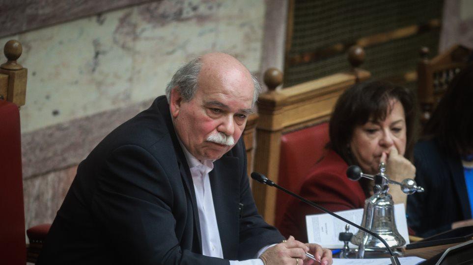 Θεσμικές ακροβασίες ΣΥΡΙΖΑ: Θέλουν να δεσμεύσουν την επόμενη Βουλή για το περιεχόμενο των αναθεωρητέων διατάξεων
