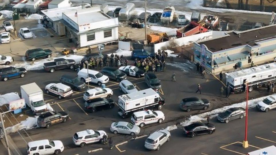 Μακελειό στο Ιλινόι: Πέντε πολίτες νεκροί από την επίθεση ενόπλου σε βιομηχανικό συγκρότημα