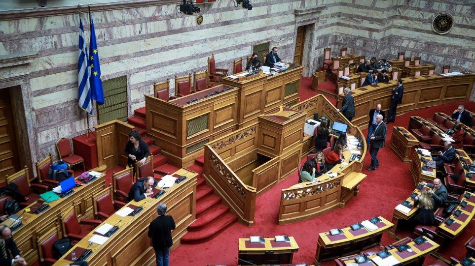 Ψηφίστηκε η τροπολογία που αυξάνει τις τιμές των φαρμάκων
