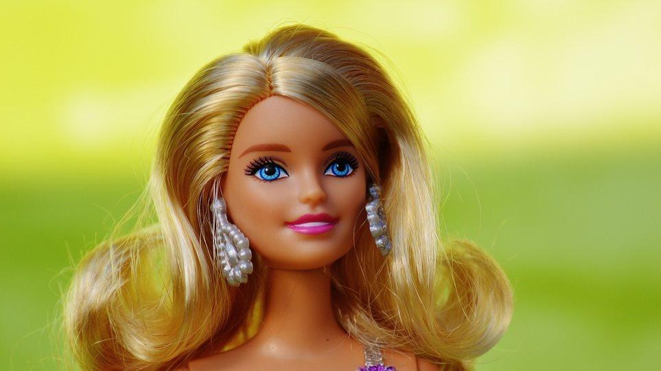 77c9a7551e6b Η Barbie... εξηντάρισε  Η διάσημη κούκλα έχει σήμερα γενέθλια - Οι  σημαντικότεροι «σταθμοί» στη ζωή της