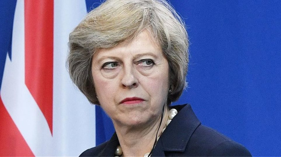 Η Μέι θα ζητήσει από την ΕΕ μικρή αναβολή του Brexit, σύμφωνα με πηγή της Ντάουνινγκ Στριτ