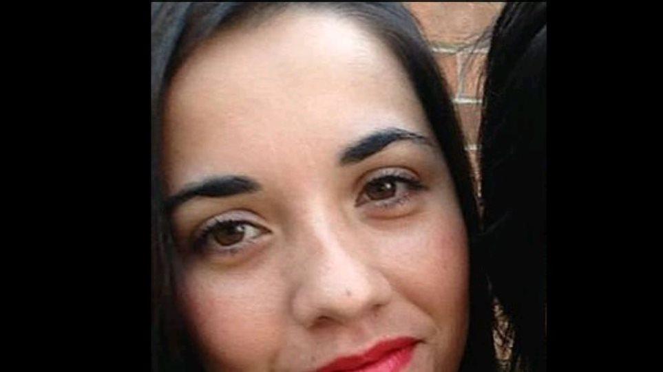 Τραγικός θάνατος για την 33χρονη μητέρα: Την κατασπάραξαν τα σκυλιά της!