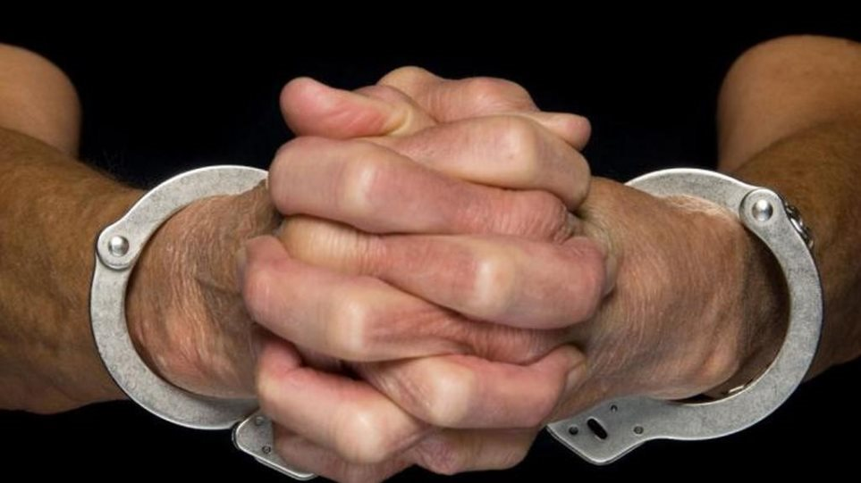 Συνελήφθησαν δύο δικηγόροι για συμμετοχή στην οργάνωση της «μαφίας των φυλακών»