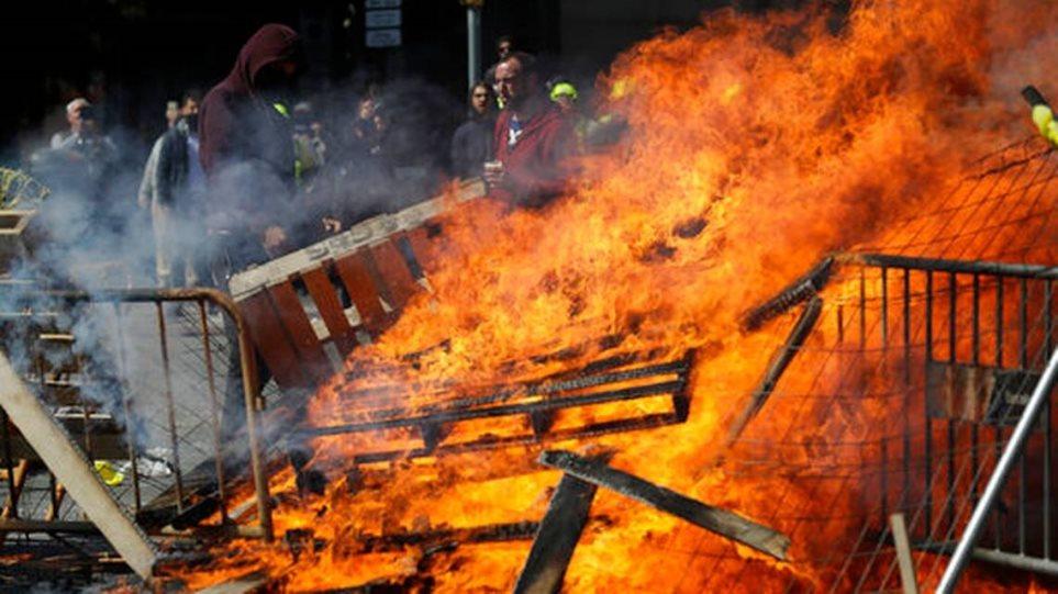 Ισπανία: Ταραχές στη Βαρκελώνη - Πέντε τραυματίες και επτά συλλήψεις
