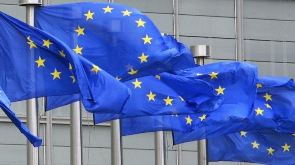 Κομισιόν: «Ναι» στη δόση του €1 δισ. - «Καμπανάκια» για α' κατοικία, 120 δόσεις και προσλήψεις