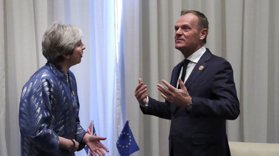 Brexit: «Ευέλικτη» παράταση 12 μηνών προτείνει ο Τουσκ