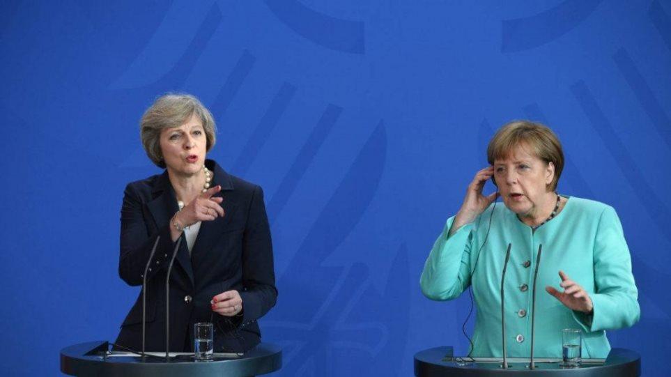 Brexit: Συνάντηση Μέι - Μέρκελ την Τρίτη στο Βερολίνο