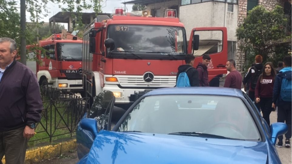 Σοβαρό τροχαίο στο Αγρίνιο: Αυτοκίνητο που οδηγούσε Ρομά παρέσυρε μαθήτριες γυμνασίου