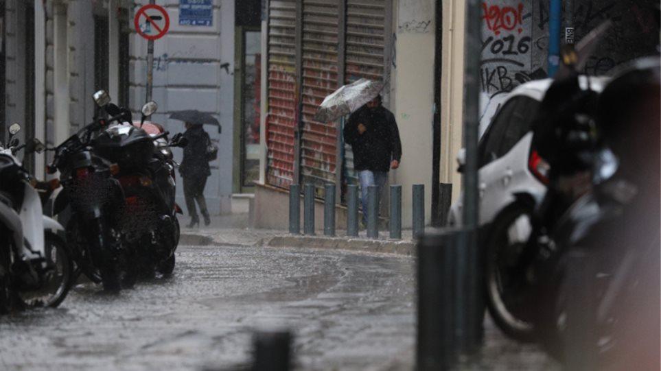 Έκτακτο Δελτίο Επιδείνωσης Καιρού από την ΕΜΥ με βροχές, καταιγίδες και χαλάζι - Τι περιμένουμε στη Θεσσαλία