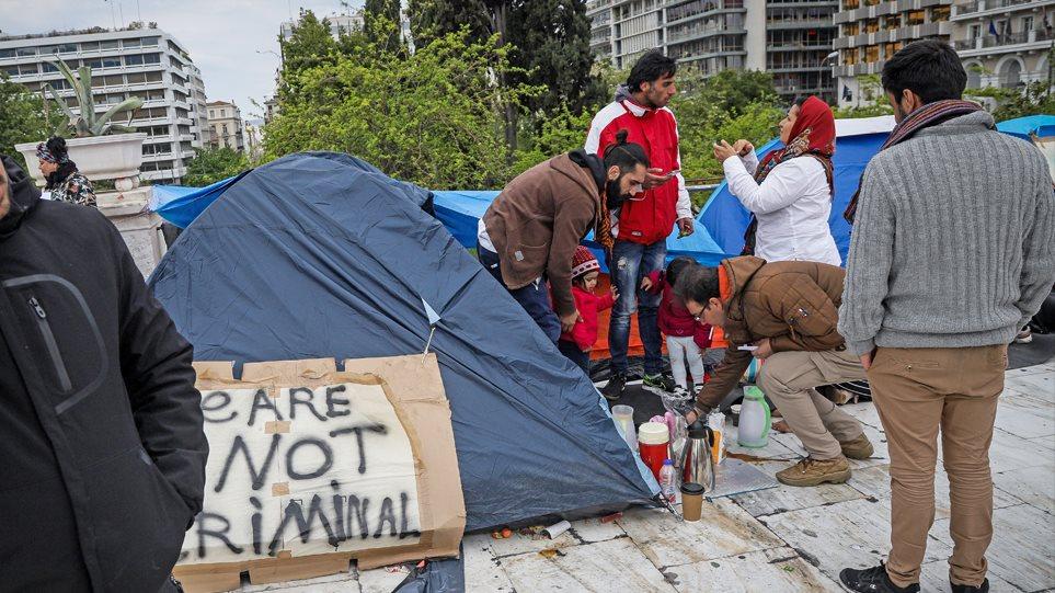 prosfyges-syntagma_main01