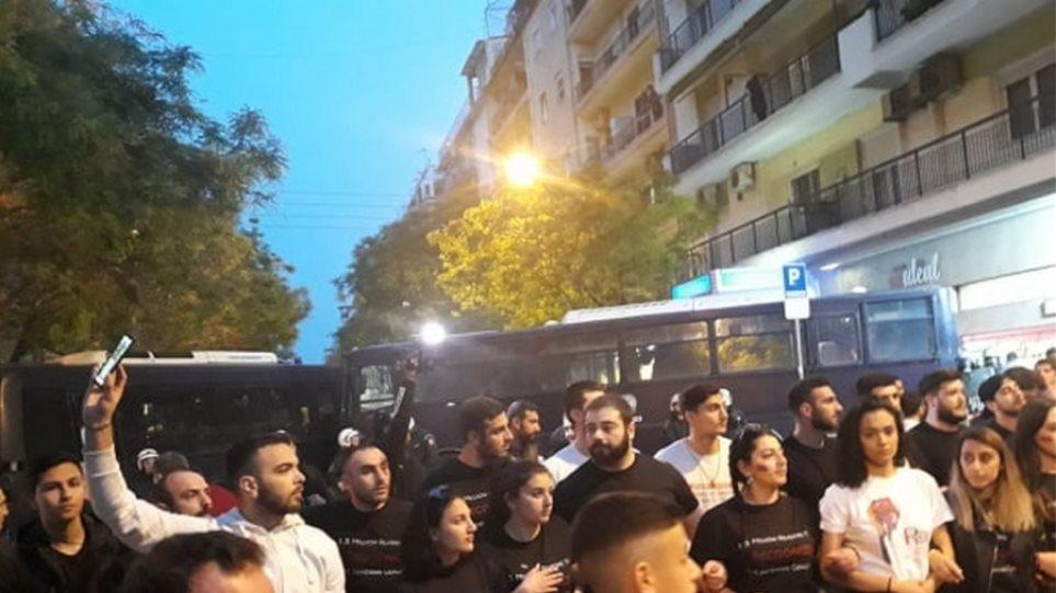 Αποτέλεσμα εικόνας για ενταση στο τουρκικό προξενείο Θεσσαλονίκης