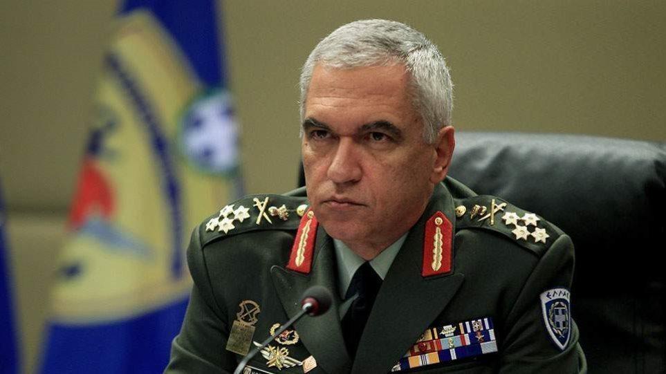 Στρατηγός Κωσταράκος κατά Αποστολάκη: Προσπαθεί να μπλέξει τις ένοπλες δυνάμεις στο πολιτικό παιχνίδι