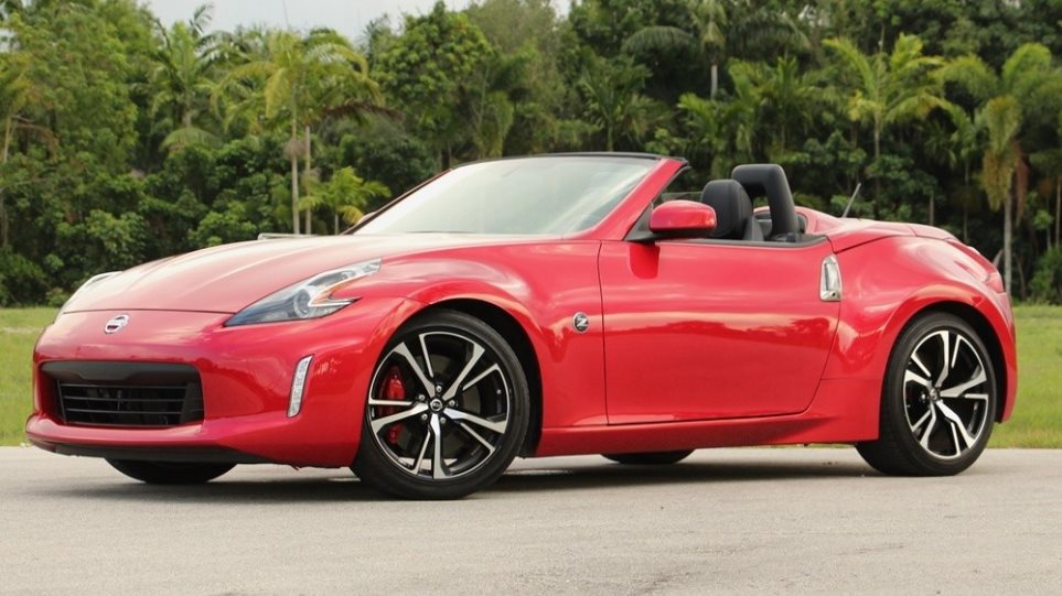 190502130004_2018-nissan-370z-roadster-review-chariatis-1000a