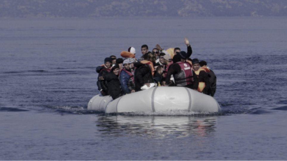 bf359aafeb Διασώθηκαν 61 πρόσφυγες με λέμβους κοντά σε Σύμη και Φαρμακονήσι