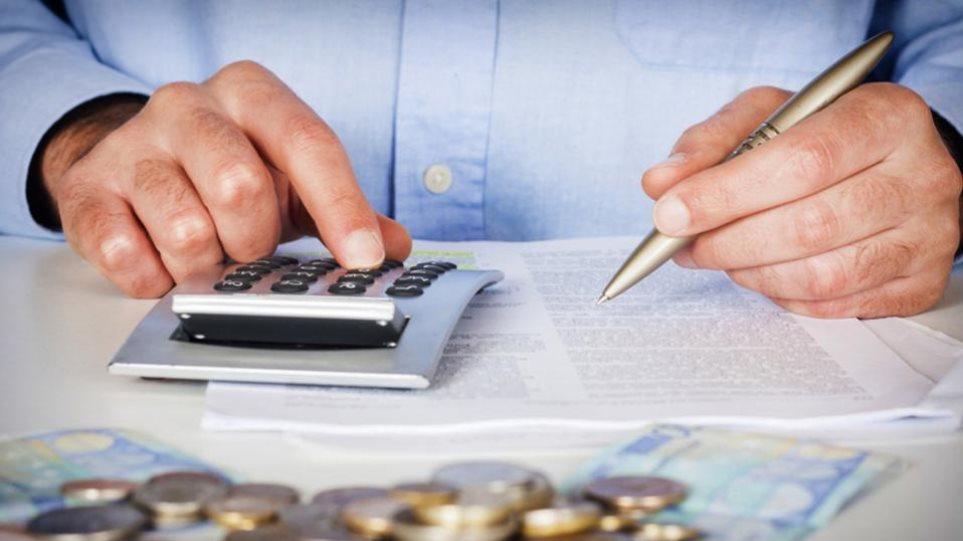120 δόσεις: Ευνοϊκές αλλαγές στον νόμο για οφειλέτες μη μισθωτούς και τραπεζοϋπαλλήλους