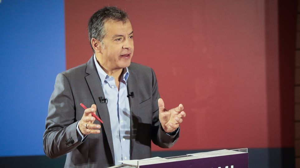 Θεοδωράκης: Ναι στην αποδοκιμασία του ΣΥΡΙΖΑ, όχι στην επιβράβευση των πρώην υπουργών