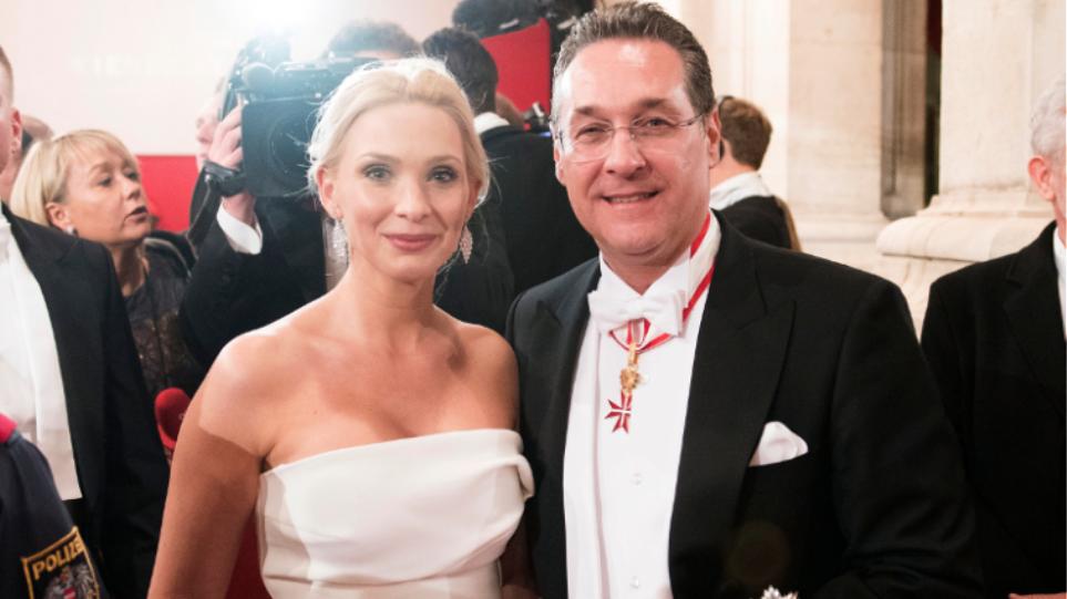 Αυστρία: Έφυγε από το σπίτι η γυναίκα του Στράχε μετά την αποκάλυψη του «σκανδάλου Ίμπιζα»