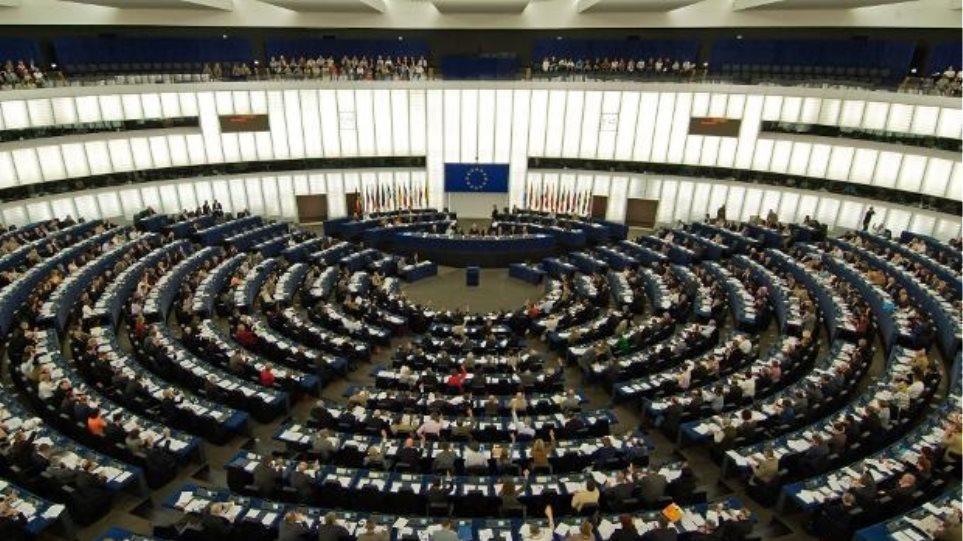 Σήμερα ψηφίζει η Ευρωβουλή για τη νέα επικεφαλής της Κομισιόν - Τι θα συμβεί αν δεν εκλεγεί η φον ντερ Λάιεν;