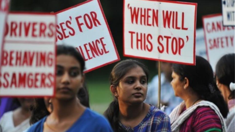 Ινδία: Δωρέαν μετακινήσεις με τα μέσα μεταφοράς για όλες τις γυναίκες στο Νέο Δελχί
