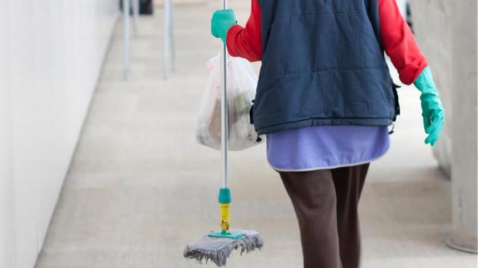 5ddb992df9 Οι σχολικές καθαρίστριες εντάσσονται στα βαρέα και ανθυγιεινά