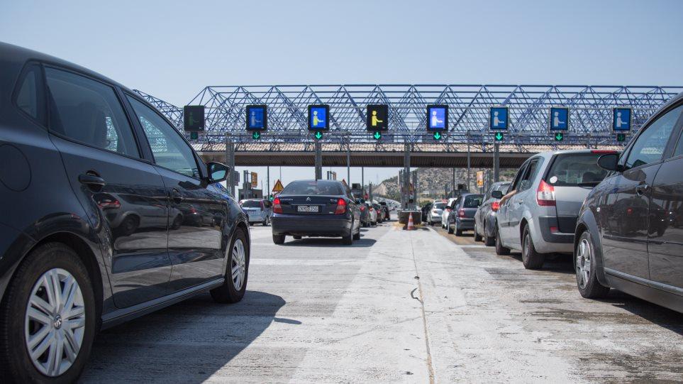 Σπίρτζης: Απαράδεκτη και μονομερής ενέργεια η αύξηση στα διόδια στην Αττική Οδό