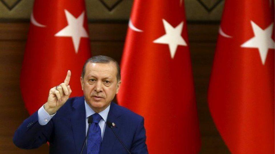 Επίθεση Ερντογάν σε Μακρόν: Είναι ατζαμής -Έχουμε δικαιώματα στην Κύπρο