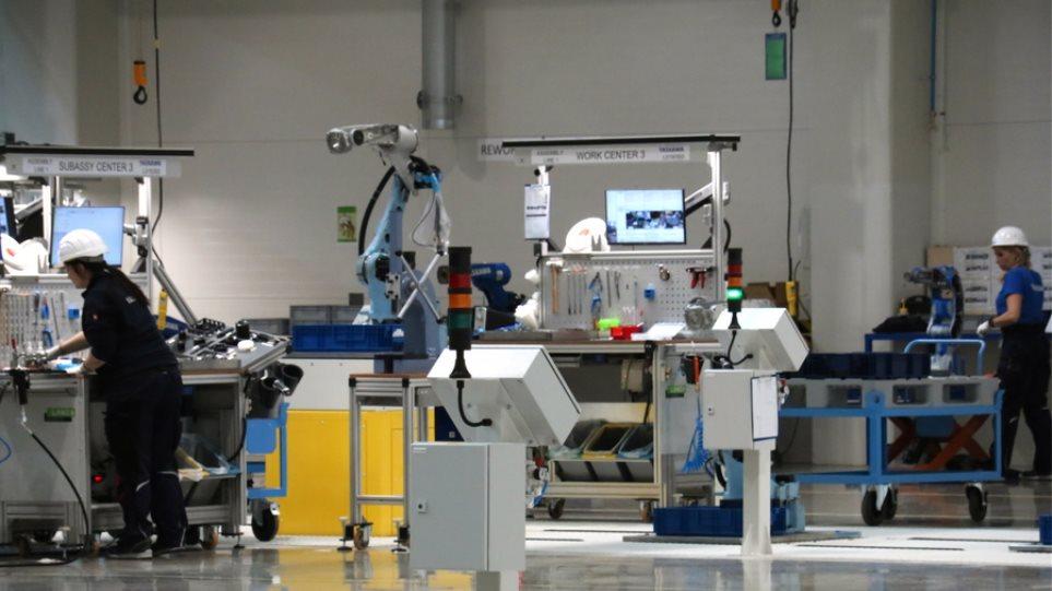 Τα ρομπότ θα «διώξουν» 20 εκατ. εργαζόμενους στα επόμενα δέκα χρόνια!
