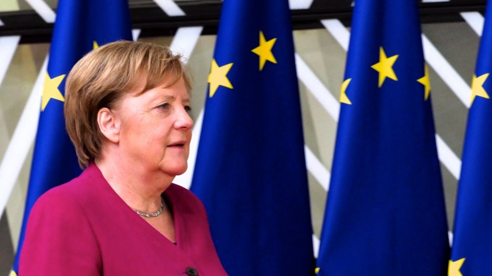 Μέρκελ: Είχα προβλέψει δύσκολο πόκερ για το αξίωμα του προέδρου της Κομισιόν