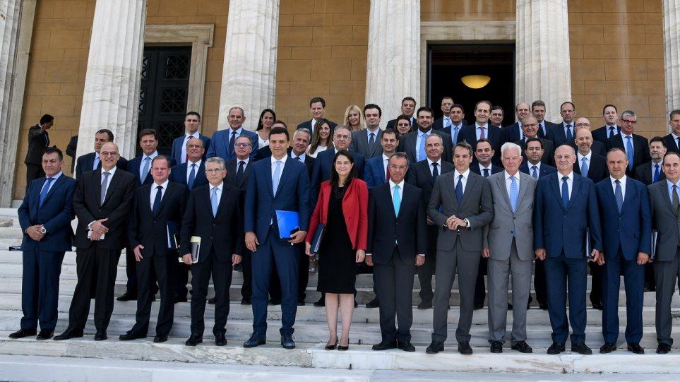 Η πρώτη μετεκλογική δημοσκόπηση: Στο 51% η ικανοποίηση για το αποτέλεσμα της κάλπης - Οι δημοφιλέστεροι υπουργοί