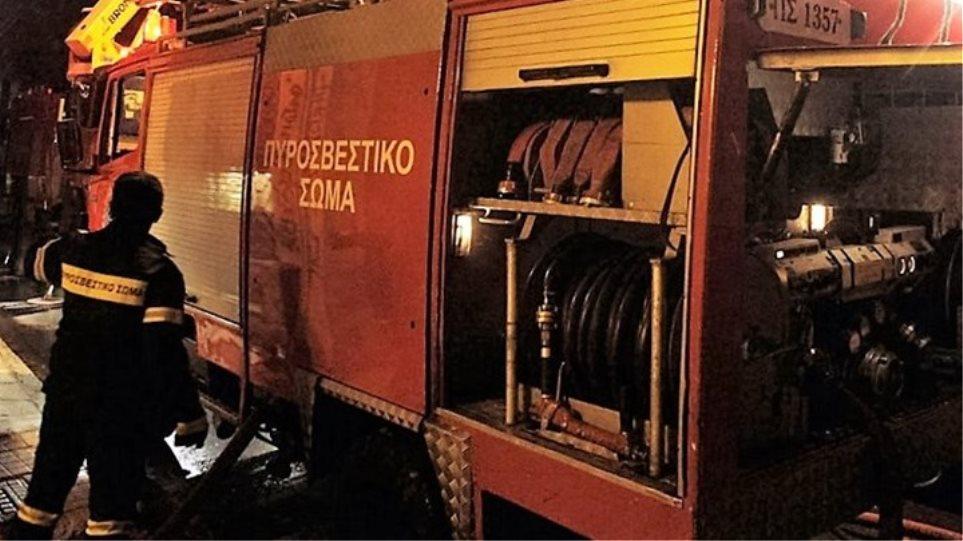 Έκρηξη σε κάβα στο Καβούρι - Φωτιές σε ΙΧ σε Νίκαια, Γλυφάδα, Φυλή