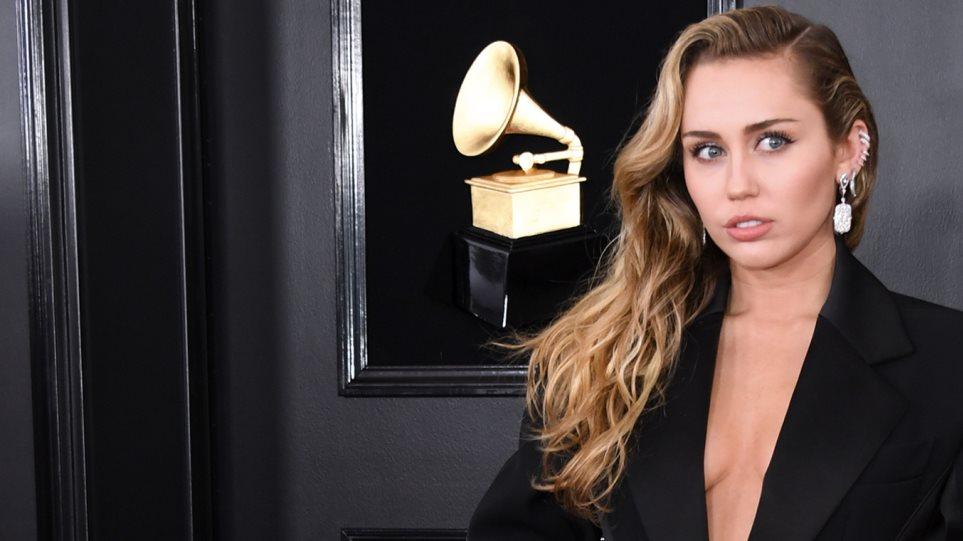 H Miley Cyrus «το έχει» με το twerking! (VIDEO)