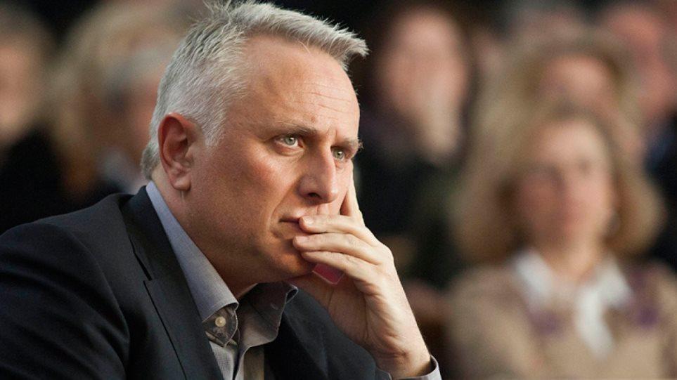 Ραγκούσης για νέα ηγεσία ΕΛΑΣ: Προχωρά η αναστήλωση του κράτους της Δεξιάς - Χρυσοχοΐδης: Βιάζεσαι και είσαι άδικος