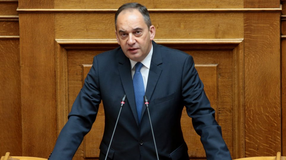Πλακιωτάκης: «Η χώρα δέχεται ασύμμετρη απειλή που δεν έχει να κάνει με το μεταναστευτικό – προσφυγικό»