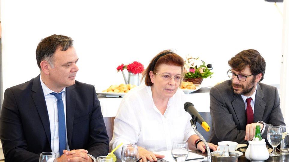 Μενδώνη για Ελληνικό: Εμβληματική επένδυση που πρέπει να προχωρήσει