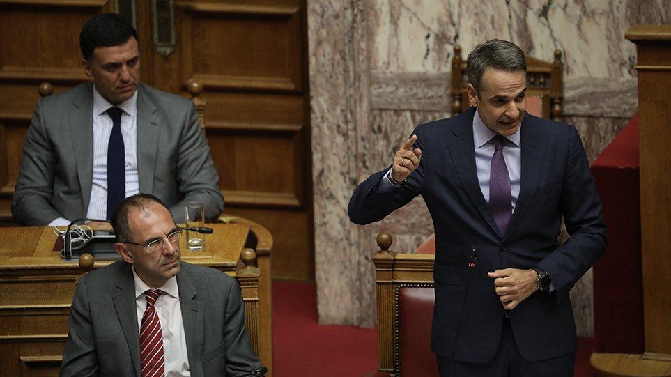Σκληρό ροκ στη Βουλή για Θάνου, μετακλητούς και «Ρασπούτιν»