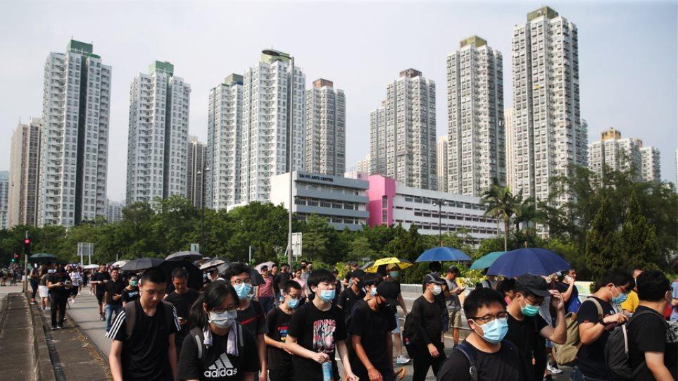 Το Πεκίνο ζήτησε από το Λονδίνο να μην εμπλέκεται στις υποθέσεις του Χονγκ Κονγκ