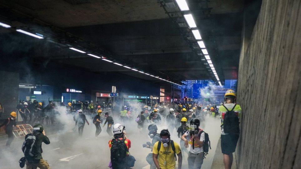 Χονγκ Κονγκ: Οι διαδηλωτές είναι νέοι, μορφωμένοι και οργισμένοι, σύμφωνα με πανεπιστημιακή έρευνα