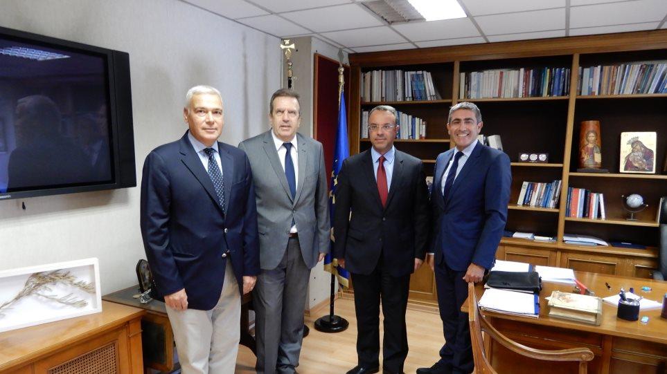 Συνάντηση Σταϊκούρα - ΕΣΕΕ: Μείωση φόρων ζήτησαν οι έμποροι