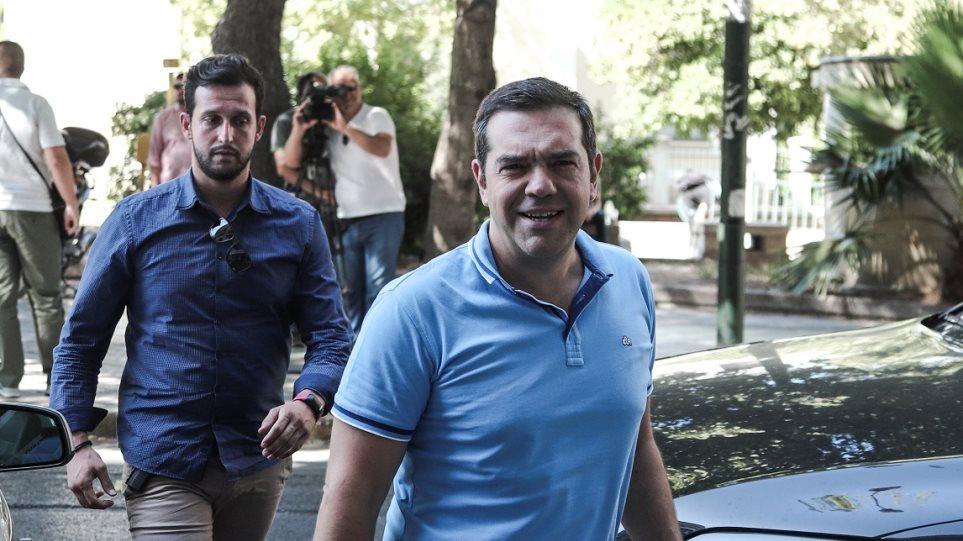 Ο ΣΥΡΙΖΑ καταγγέλλει τον Μητσοτάκη ότι συνωμότησε με τον Σαμαρά για να εκλεγεί!