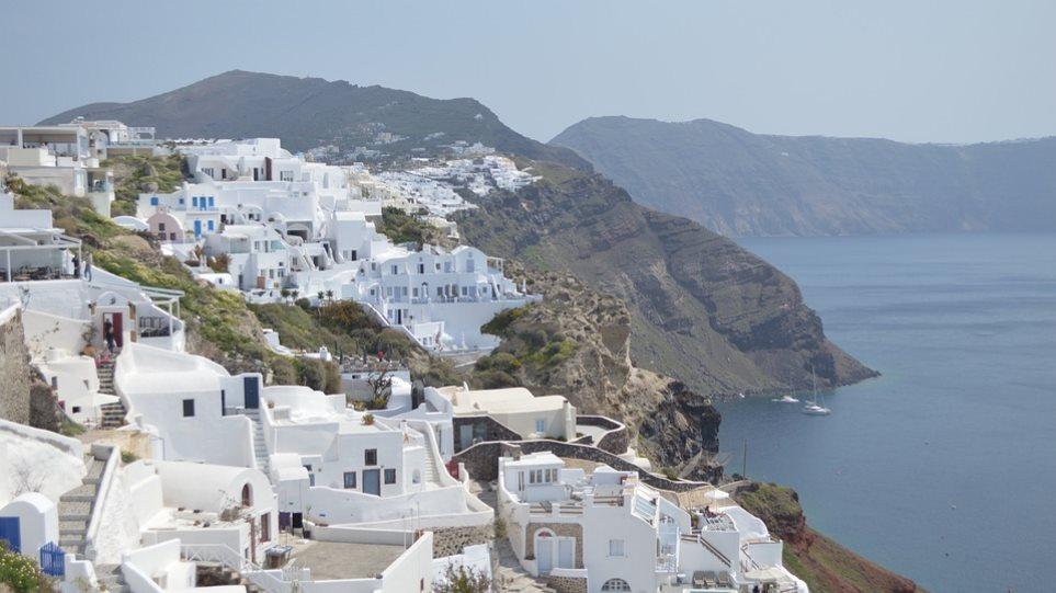 Υπολόγιζαν χωρίς την... ΑΑΔΕ οι ξενοδόχοι: 26 καταλύματα ξέχασαν να «ανοίξουν» στην εφορία!