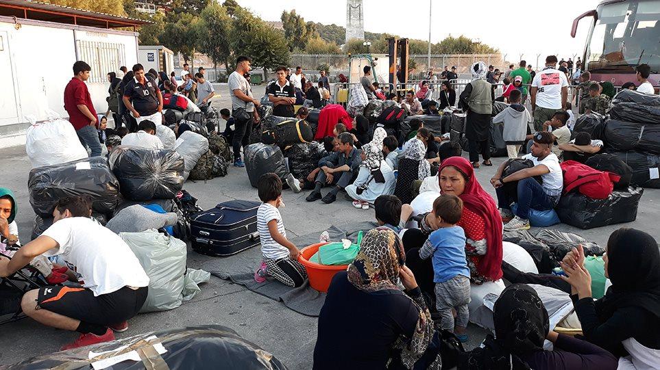 Προσφυγικό: Ξεκίνησε η μεταφορά 1.500 αιτούντων άσυλο από τη Λέσβο